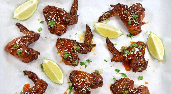 Pikantní kuřecí křidélka aneb Sriracha Chicken Wings