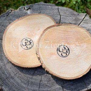Dřevěné podtácky pod skleničku *Óm ॐ*, ručně vyráběné, sada 2 ks