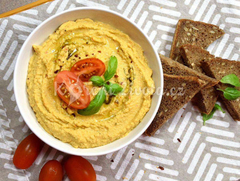 Domácí rajčatový hummus s bazalkou recept