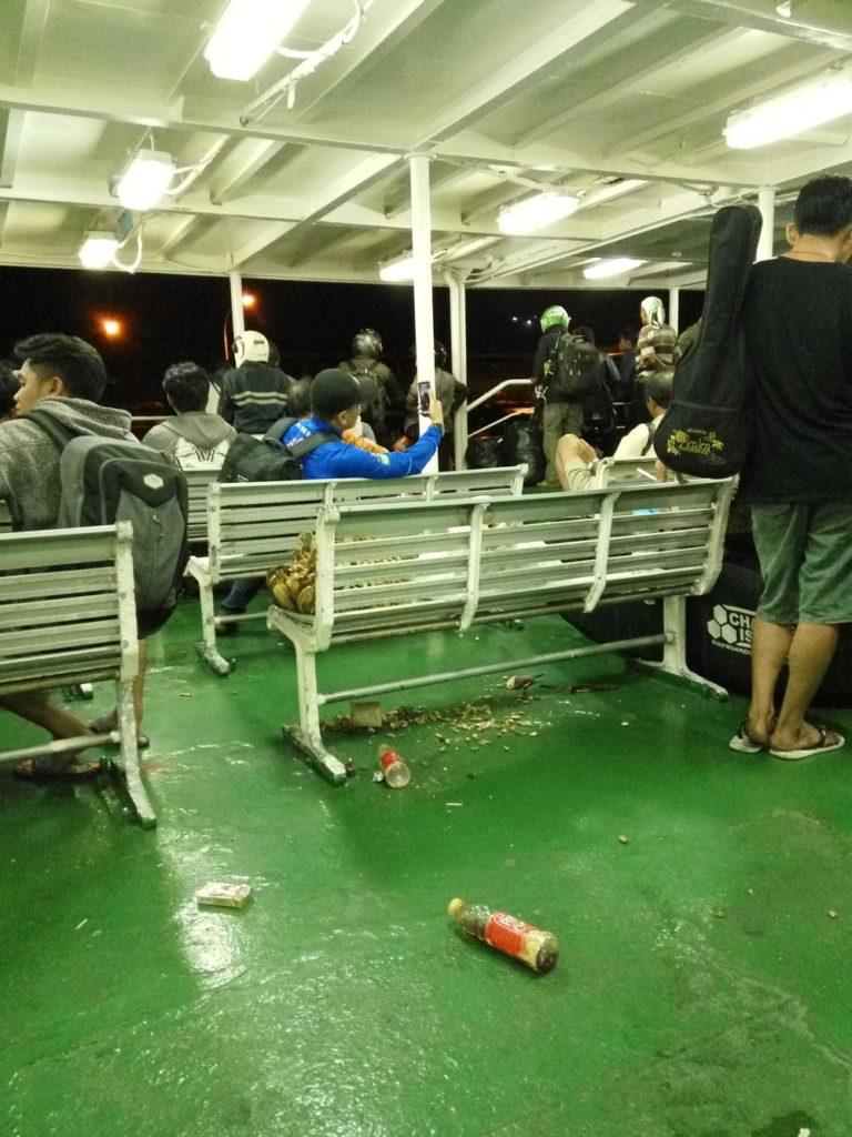 Trajekty putují dlouho a ještě déle čekají v přístavu