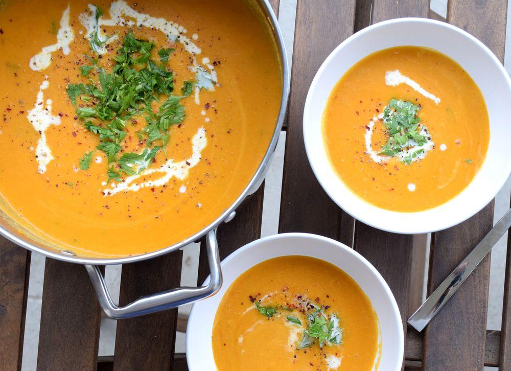 Krémová batátová polévka s červenou čočkou recept