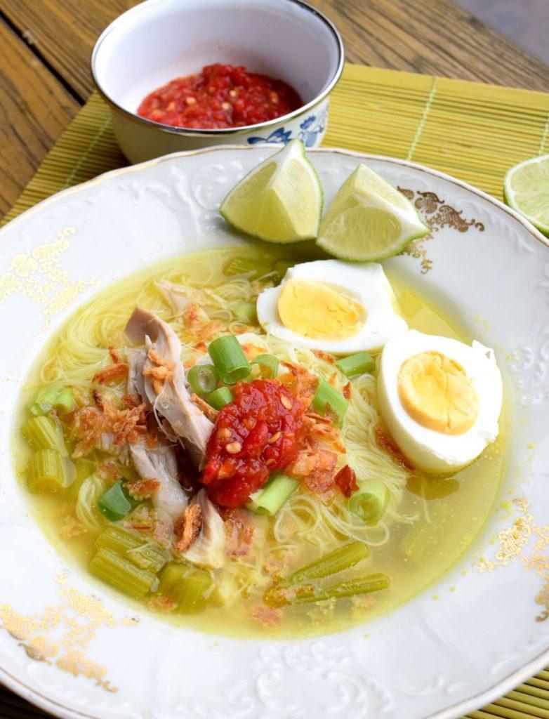 Kuřecí vývar recept - Soto ayam, indonéský vývar
