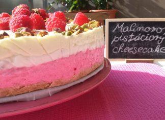 Malinovo pistáciový cheesecake
