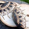 Dřevěné podtácky pod skleničku *ORNAMENT*, ručně vypalované, sada 4 ks