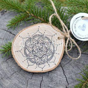 Ručně malovaná dřevěná ozdoba *MANDALA*
