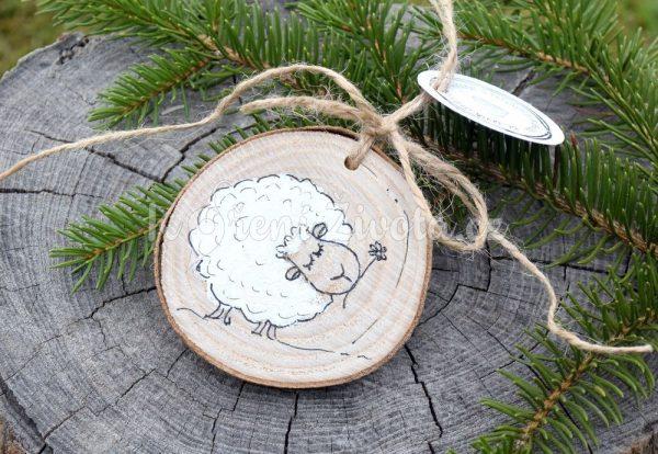 Ručně malovaná dřevěná ozdoba *OVEČKA BĚLA*