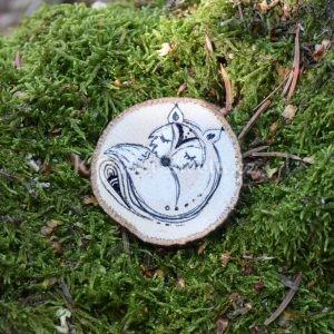Ručně malovaná dřevěná brož *LIŠKA ELIŠKA*