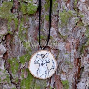 Ručně malovaný dřevěný náhrdelník - medailonek *LIŠÁK MELICHAR*