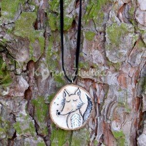 Ručně malovaný dřevěný náhrdelník - medailonek *VLKOUŠ JÁCHYM*