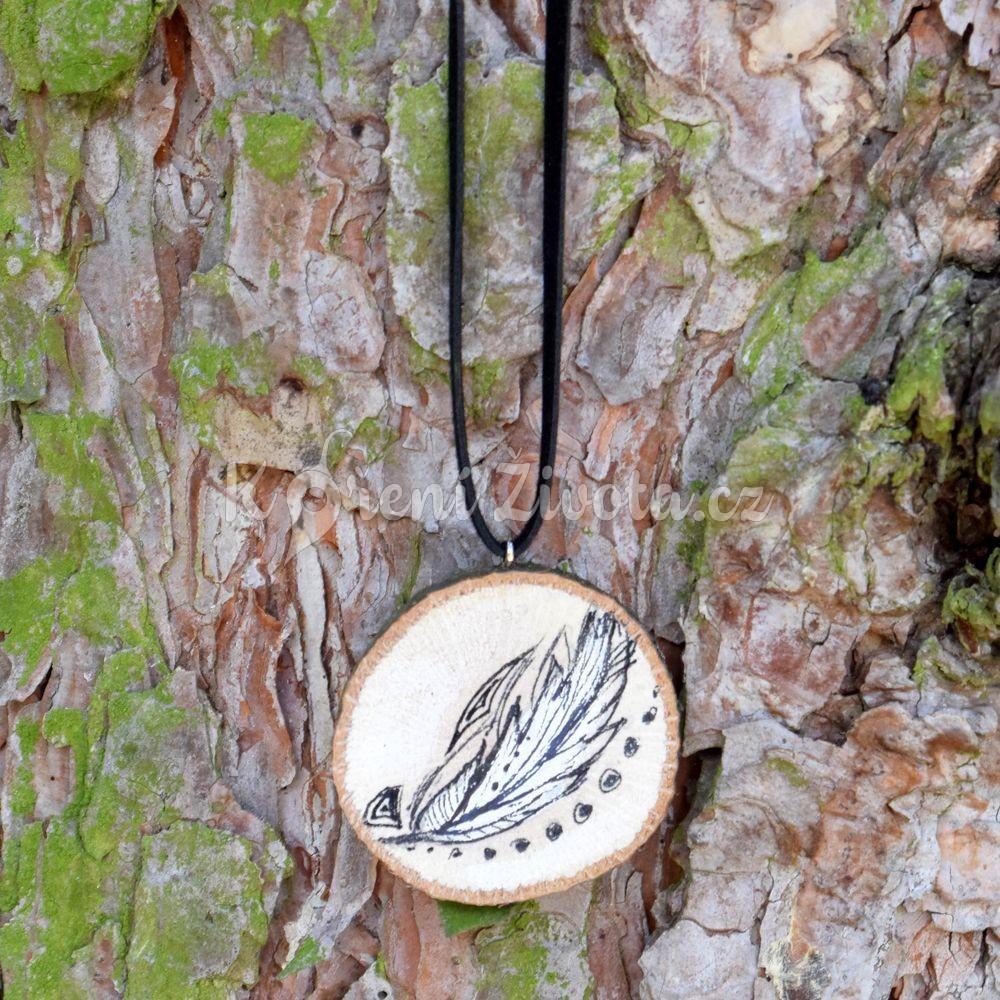 8aadf98e0 Ručně malovaný dřevěný náhrdelník - medailonek *PÍRKO* | KořeníŽivota.cz
