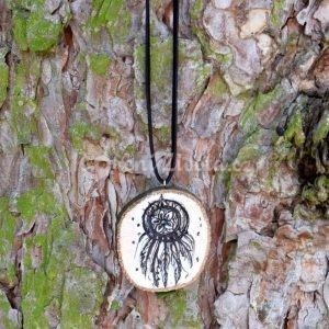 Ručně malovaný dřevěný náhrdelník - medailonek *Pro krásné sny*