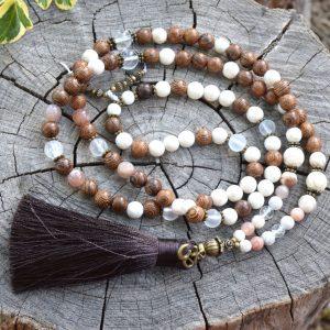 ~STVOŘENÍ~ Modlitební korále mála ze dřeva a bílého tyrkysu