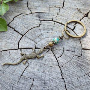 ~VYROVNANOST~ Originální přívěsek na klíče s ještěrkou a regalitem