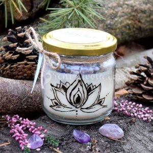 Ručně malovaná přírodní vonná svíčka s minerály *LOTOS*, sojový vosk