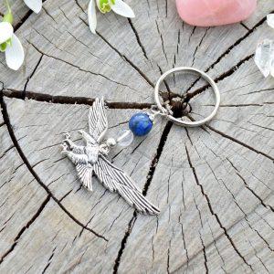 ~MÍR~ Originální přívěsek na klíče orel s lapisem lazuli a křišťálem