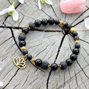 ~SEBEDŮVĚRA~ Náramek z černého onyxu a lávového kamene, přívěsek lotosový květ