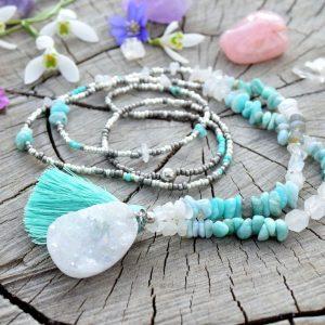 ~NADĚJE~ Dlouhý minerální náhrdelník s drúzou křišťálu, larimarem, amazonitem a měsíčním kamenem