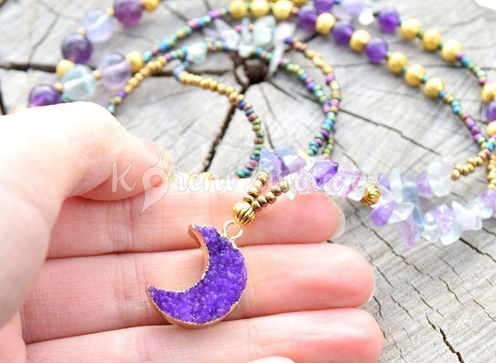 ~FANTAZIE~ Dlouhý minerální náhrdelník s drúzou křišťálu Měsíc, fluorit a ametyst