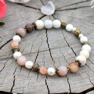 ~MEDITACE~ Náramek se slunečním kamenem, perlami a zkamenělým dřevem