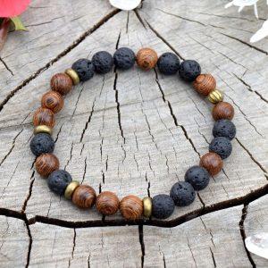 ~(ZE)MĚ~ Pánský náramek z lávových kamenů a dřeva