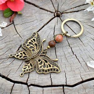 ~(POD)VĚDOMÍ~ Originální přívěsek na klíče motýl s unakitem a dřevem
