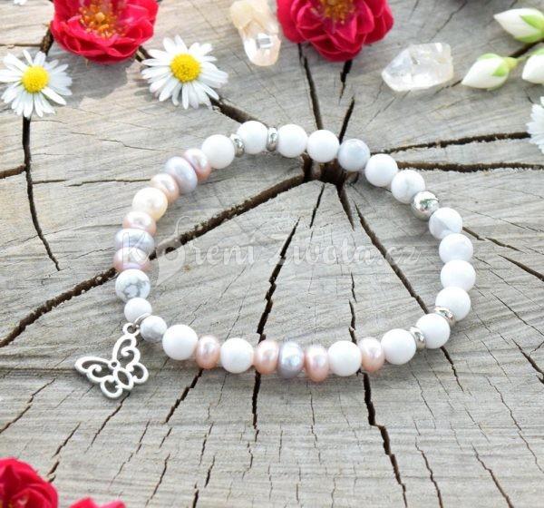 ~NĚHA~ Luxusní minerální náramek z chirurgické oceli, howlit a perly, motýl