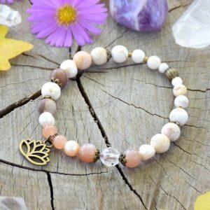 ~MEDITACE~ Perlový náramek s magnezitem a slunečním kamenem, lotos