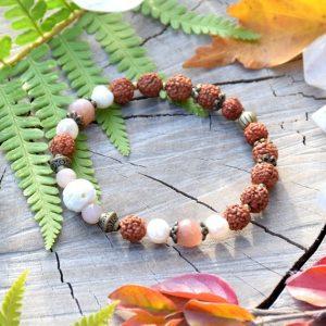 ~VÝJIMEČNOST~ Rudraksha náramek s perlami a slunečním kamenem