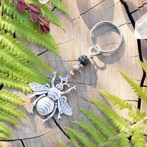 ~TRPĚLIVOST~ Originální přívěsek na klíče včela s lávou a jaspisem