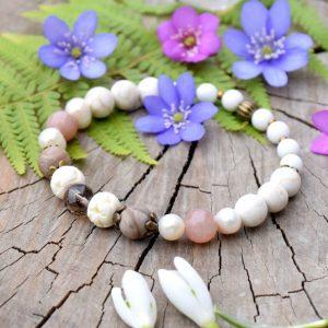~MEDITACE~ Perlový náramek s magnezitem a slunečním kamenem a záhnědou