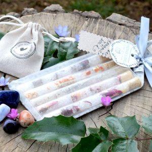 ~VĚŘÍM~ Harmonizující dárkový balíček se sadou minerálů a květinovými solemi do koupele