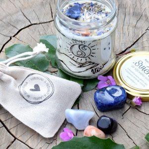 ~VĚŘÍM~ Relaxační dárkový balíček s přírodní svíčkou a sadou minerálů