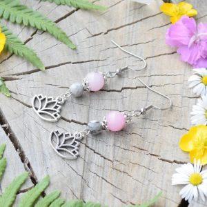 ~OKAMŽIK~ Visací náušnice lotosový květ s třešňovým jaspisem, nerezová ocel