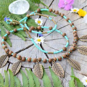 ~PŘÍRODA~ Boho náhrdelník s lístečky, dřevo wenge a skleněné korálky