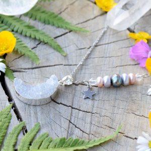 ~NĚHA~ Jedinečný náhrdelník s drúzou achátu Měsíc, přírodní perly