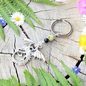 ~VYROVNANOST~ Originální přívěsek na klíče drak s onyxem a chryzoprasem