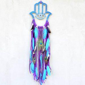 ~OCHRÁNÍM TĚ~ Unikátní malovaný boho lapač snů Hamsa s pírky, 27x105 cm