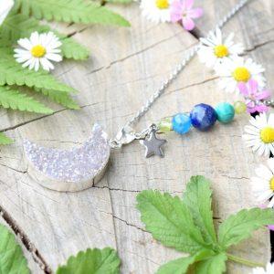 ~Z TAJEMNÉHO LESA~ Jedinečný náhrdelník s drúzou achátu Měsíc, lapis a olivín, nerez ocel